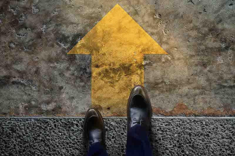abitudini-negative-che-causano-bassa-autostima